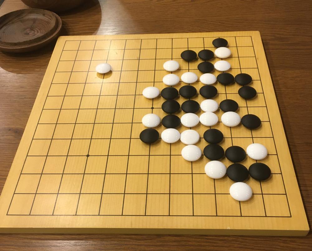 五目並べのような囲碁